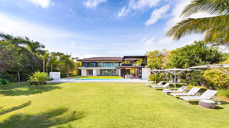 DJ Khaled Mansion Lawn | The Mortgage Reports