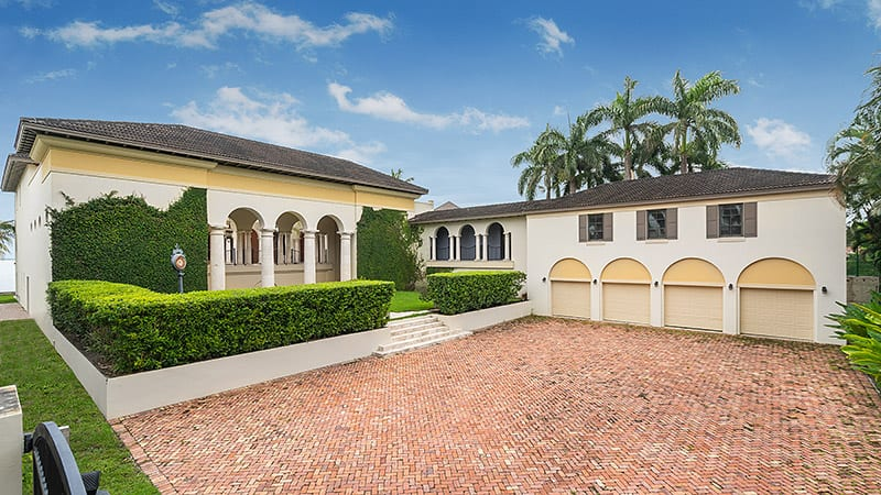Miami Hip Hop Mansion 4 Car Garage