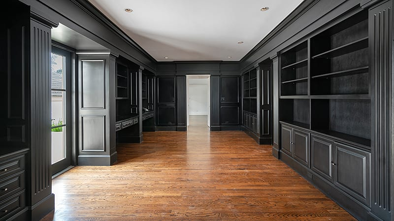 Miami Mansion Walk In Closet