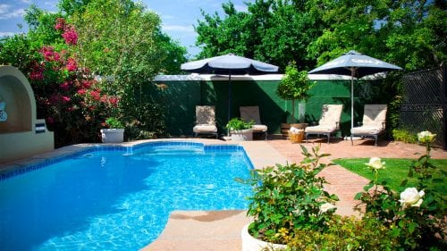 Swimming pool financing: The 4 best ways to finance a pool